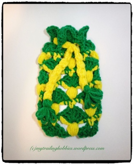 Crochet Pineapple Stitch Phone Case (c)mytrailinghobbies.wordpress.com
